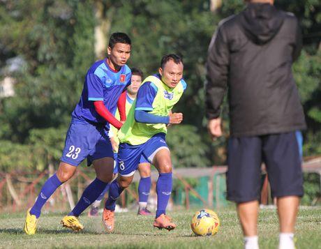 Cong Phuong no luc luyen tap de hy vong duoc da chinh gap Malaysia - Anh 12