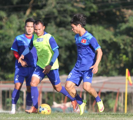 Cong Phuong no luc luyen tap de hy vong duoc da chinh gap Malaysia - Anh 5
