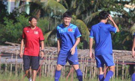 Cong Phuong no luc luyen tap de hy vong duoc da chinh gap Malaysia - Anh 8