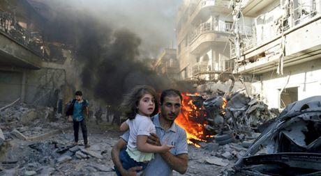 Phe noi day Syria ngan chan dan thuong roi khoi Aleppo - Anh 1