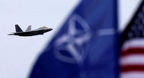 Nga dieu ten lua toi Kaliningrad de tu ve truoc su banh truong cua NATO - Anh 1