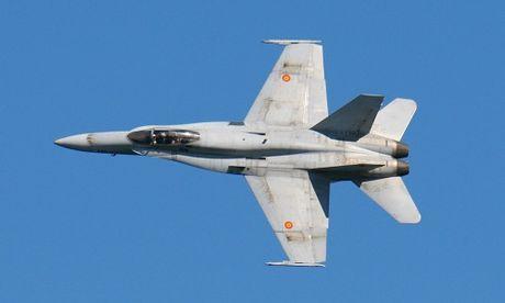Hai nuoc NATO dieu tiem kich bam sat Su-35 Nga - Anh 1