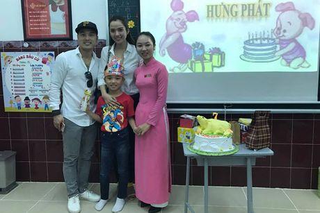Ung Hoang Phuc lam sinh nhat cho con trai rieng cua vo - Anh 1