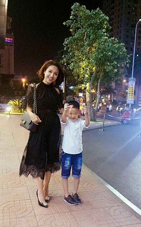 Song nhu Van Hugo: Khong lang phi bat ki giay phut nao trong cuoc doi! - Anh 23