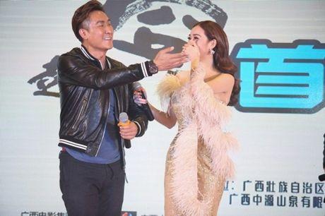 Khanh My duoc netizen so sanh voi Cung Loi, hoi ngo HKT tai Trung Quoc - Anh 16