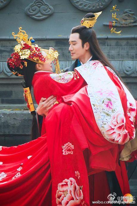 Phim vua len song, cap doi Lan Lang Vuong Phi da dinh nghi an hen ho duoc 3 nam - Anh 1