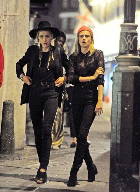 Cara Delevingne - Amber Heard: Cap doi 'bach hop' dep nhat Hollywood? - Anh 2