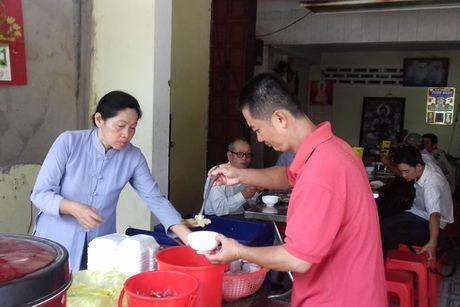 Com 5.000 dong/suat cho nguoi lao dong ngheo - Anh 1