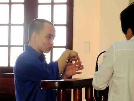Vu be gai 11 tuoi bi sat hai o Hai Phong: Bi cao cam diec nhan 18 nam tu giam - Anh 1