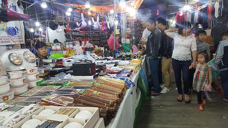 Goc khuat phi ly tai Hoi cho Nong nghiep - Thuong mai khu vuc Tay Bac - Anh 15