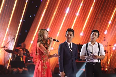 Mr Dam buc boi 'nhac nho' Elvis Phuong vi bi goi nham la Dam Vinh Huong - Anh 2