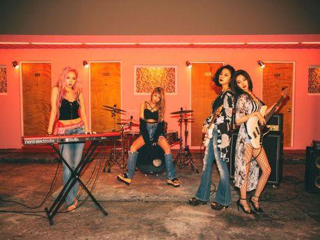 Cuoc 'cham tran' cua fan Wonder Girls va Michael Learns To Rock tai TP.HCM - Anh 1