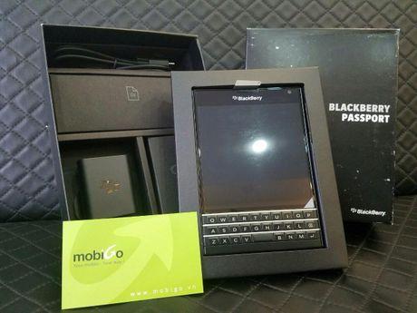 BlackBerry Passport giam gia ky luc con 4,49 trieu dong - Anh 2