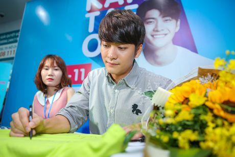 Fan Viet xep hang dai cho gap Kang Tae Oh o Sai Gon - Anh 5