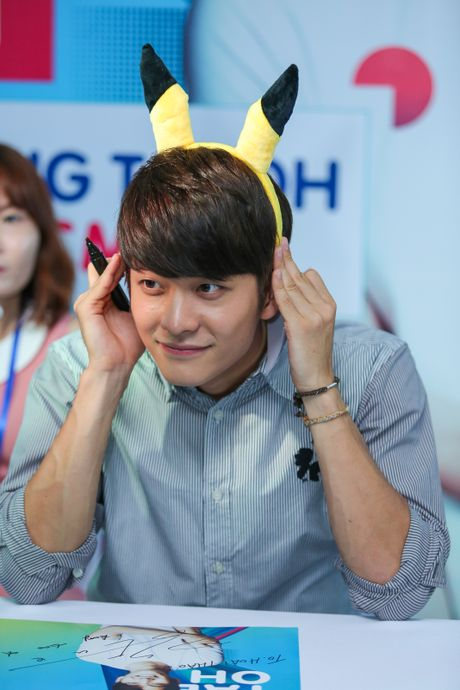Fan Viet xep hang dai cho gap Kang Tae Oh o Sai Gon - Anh 8