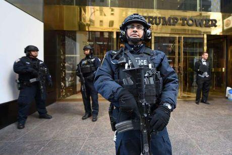New York chi hon 1 trieu USD/ngay bao ve gia dinh ong Donald Trump - Anh 2