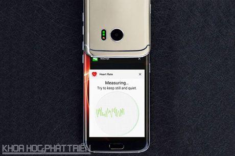 Tren tay smartphone man hinh cong, gia gan 3 trieu dong - Anh 21