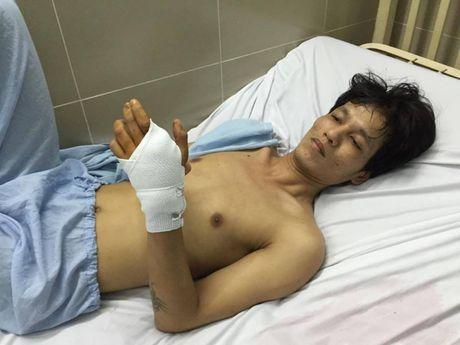Giang ho com can no sung vao dau nguoi choi game bi bat - Anh 1