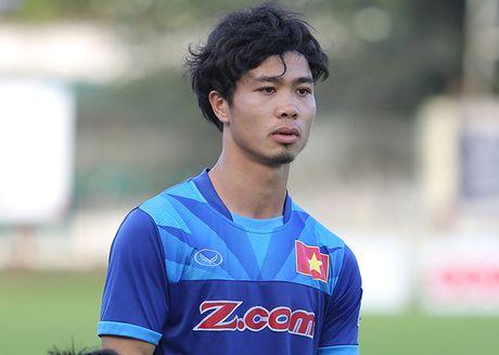 Cong Phuong no luc ghi diem, mong duoc da chinh truoc Malaysia - Anh 1