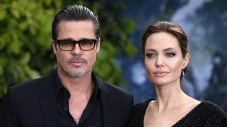 FBI bac tin Brad Pitt bao hanh con trai Maddox - Anh 2