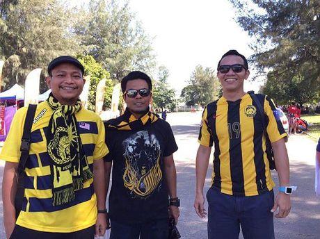 15h30, TRUC TIEP Viet Nam - Malaysia: Xuan Truong, Cong Vinh, Van Quyet ra san. Cong Phuong va Thanh Luong du bi - Anh 3