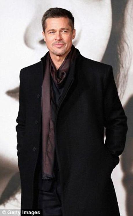 Chieu cac con, Angelina Jolie BAT NGO goi Brad Pitt ve ben mai am - Anh 2
