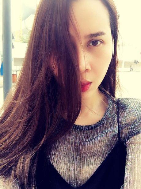Showbiz 23/11: Su that benh tinh Van Hugo, Luu Huong Giang tham my - Anh 3