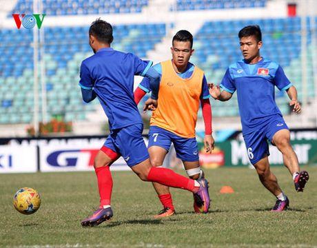 TRUC TIEP DT Viet Nam-Malaysia: Trong Hoang co mat, Thanh Luong du bi - Anh 4