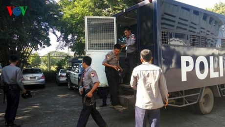 TRUC TIEP DT Viet Nam-Malaysia: Trong Hoang co mat, Thanh Luong du bi - Anh 8