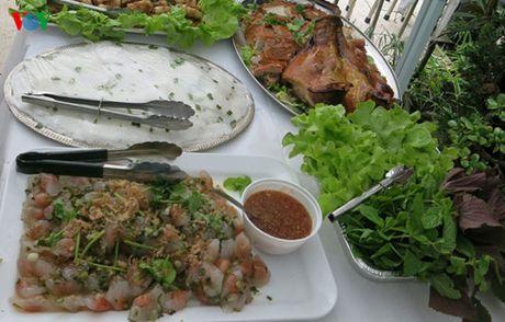 Tro thanh ong chu 'nha hang di dong' tu y tuong kinh doanh doc dao - Anh 6