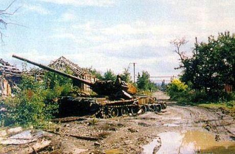Dau voi NATO, Nga vien toi tang T-80 - Anh 2