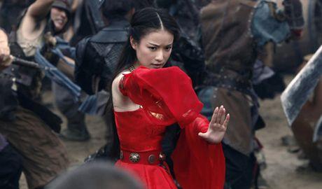 My nhan Hoa lan at sao Hollywood trong phim hanh dong - Anh 2