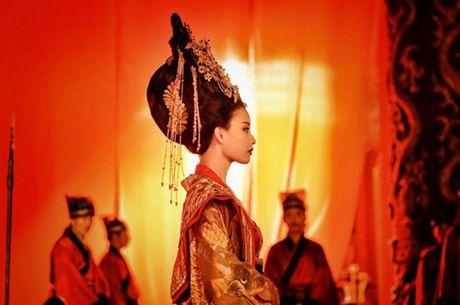 My nhan Hoa lan at sao Hollywood trong phim hanh dong - Anh 7