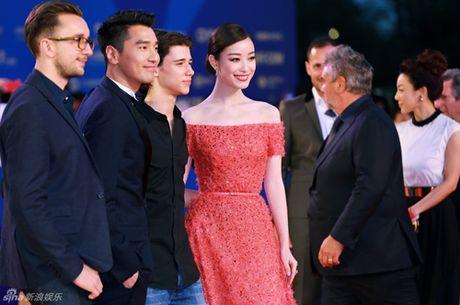 My nhan Hoa lan at sao Hollywood trong phim hanh dong - Anh 9