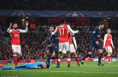 Arsenal 2-2 PSG: Phao thu tu ban vao chan - Anh 1