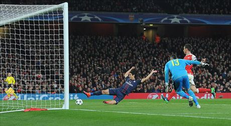 Arsenal 2-2 PSG: Phao thu tu ban vao chan - Anh 2