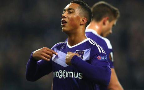 Top 10 mang non som 'cham ngo' Champions League: Moise Kean thua kem than dong Barca - Anh 8