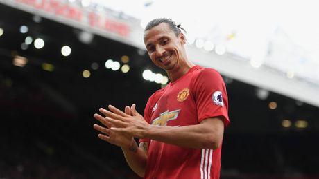 Ong Tay lo 'chuyen bao dong' va tinh yeu cua Ibrahimovic gianh cho Man Utd - Anh 2