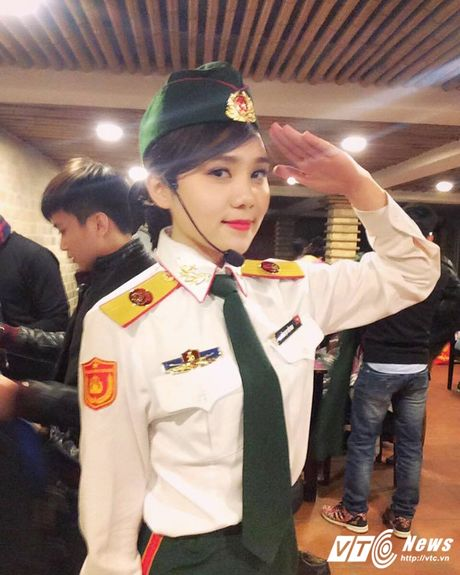 Hot girl DH Van hoa - Nghe thuat Quan doi xinh dep hut hon - Anh 1