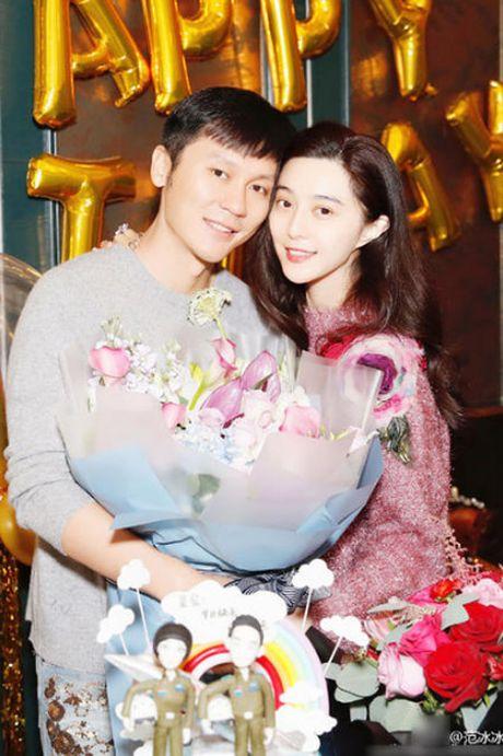 Pham Bang Bang hanh phuc trong sinh nhat Ly Than - Anh 1