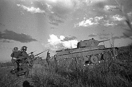 Ly do Nhat Ban 'hoang' khi Nga dua Bastion, Oniks toi Kuril - Anh 11