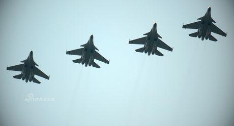 Ngoan muc tiem kich Su-30 ha canh tren duong cao toc - Anh 7