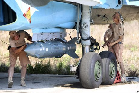 Khong kich cuong do cao o Syria, Su-34 troc ca son - Anh 5