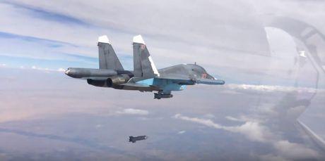 Khong kich cuong do cao o Syria, Su-34 troc ca son - Anh 8