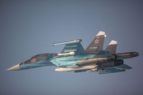 Khong kich cuong do cao o Syria, Su-34 troc ca son - Anh 9