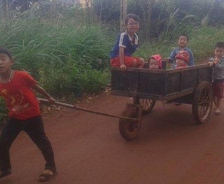 Nhung phuong tien di chuyen 'doc dao' cua tre tho - Anh 5