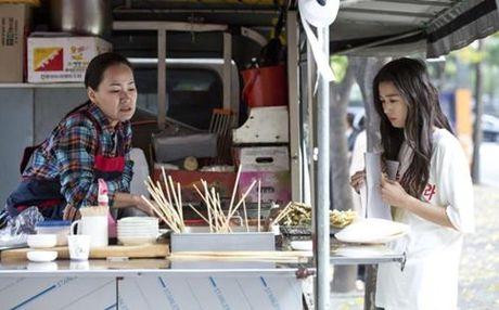 Huyen thoai bien xanh tap 3: Lee Min Ho mat ky uc sau nu hon voi Jun Ji Hyun - Anh 6