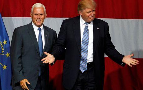 Trump chi nhan 2 bao cao tinh bao tu sau khi dac cu - Anh 1