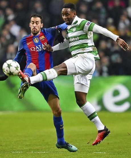 Messi lap cu dup, Barcelona vung ngoi dau bang - Anh 2