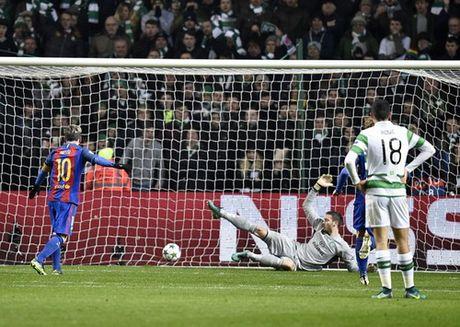 Messi lap cu dup, Barcelona vung ngoi dau bang - Anh 5